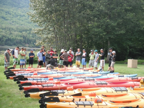 Expedition with 24 cadets in 2011. Model sea kayaking; Esperento Boréal Design.