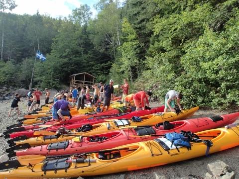 Arrêt camping en kayak de mer
